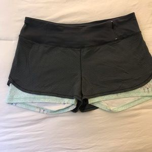 CALIA by Carrie Underwood Shorts - Calia Carrie Underwood compression shorts